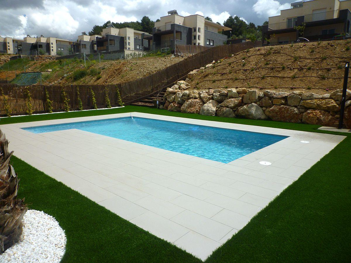 Construcci n de piscinascreamos piscinas con dise os - Diseno de piscinas naturales ...